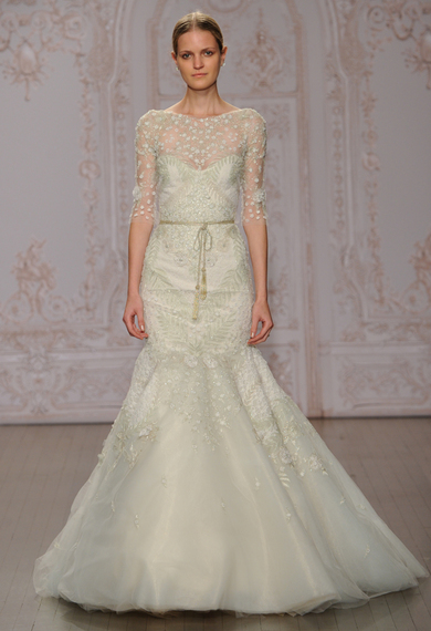 2014-10-11-moniquelhuillierminttrumpetweddingdress07.jpg