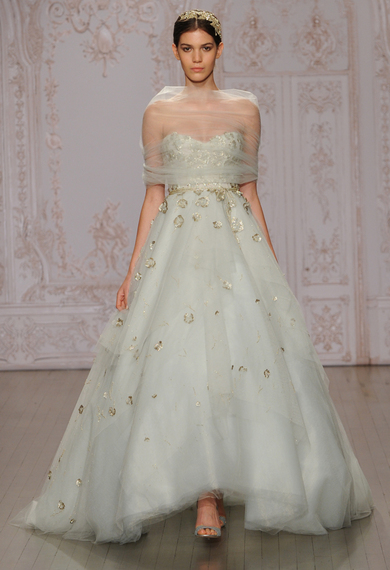 2014-10-11-moniquelhuillierpistachioballgownmetallicweddingdress06.jpg