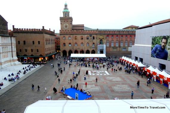2014-10-12-PiazzaMaggiore.jpg
