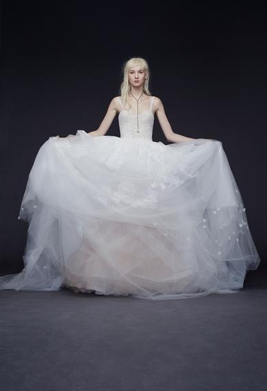 2014-10-15-verawangballgownweddingdresses09.jpg