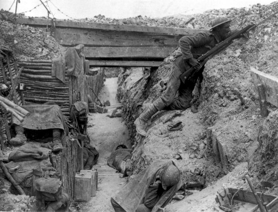 2014-10-16-Cheshire_Regiment_trench_Somme_1916.jpg