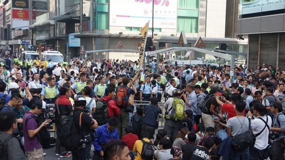 2014-10-17-OccupyCentralFriday1743Copy.JPG