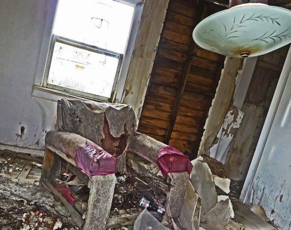 2014-10-17-ghosttownnevadarubyhillinside800x633.jpg