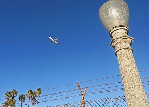 2014-10-17-surfridgelightplane800x576.jpg