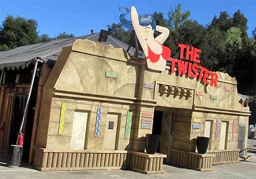 2014-10-19-Twister1.jpg