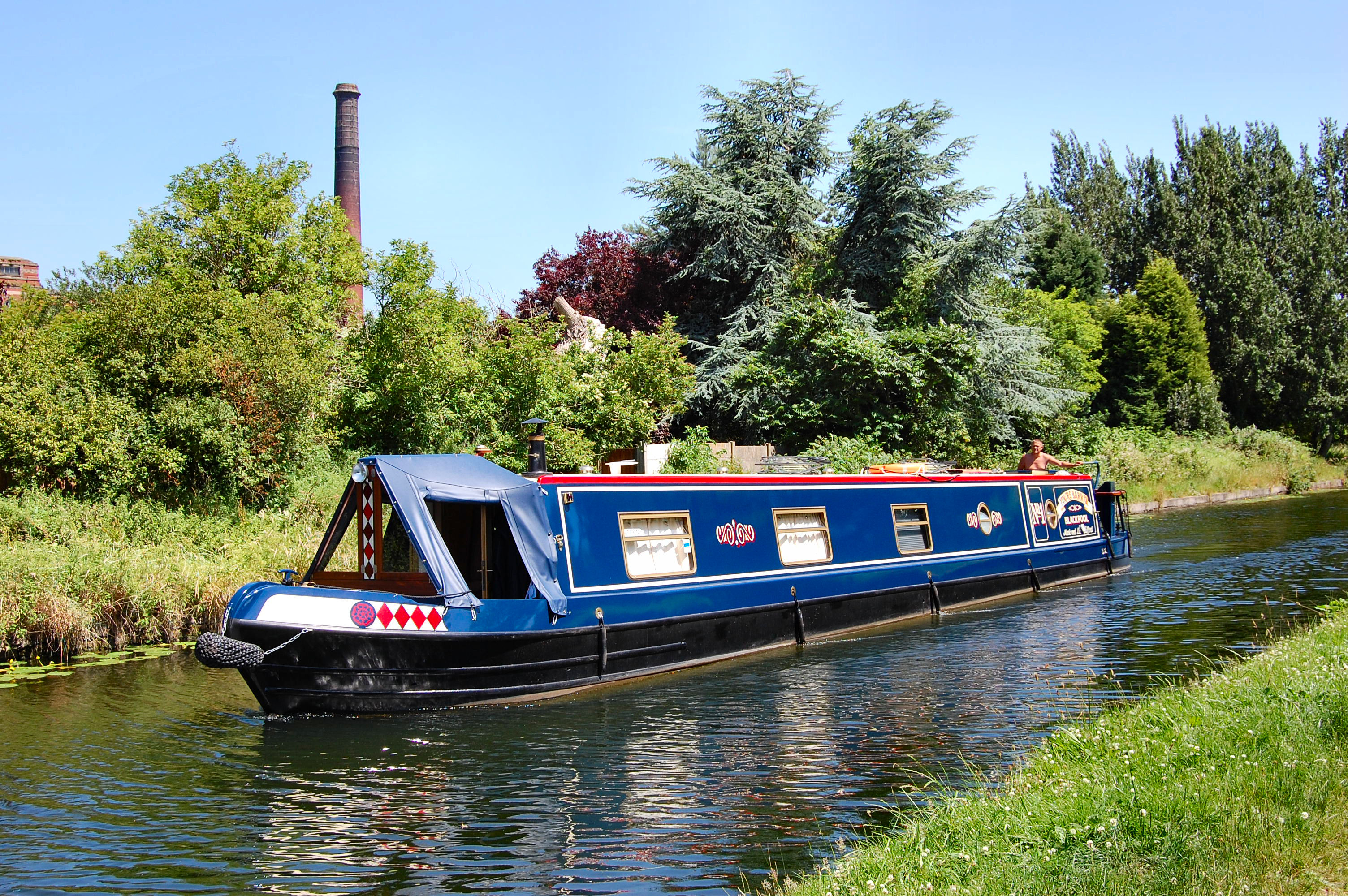 Narrow Foyer Yacht : Seven quirky ways to travel the uk without breaking bank