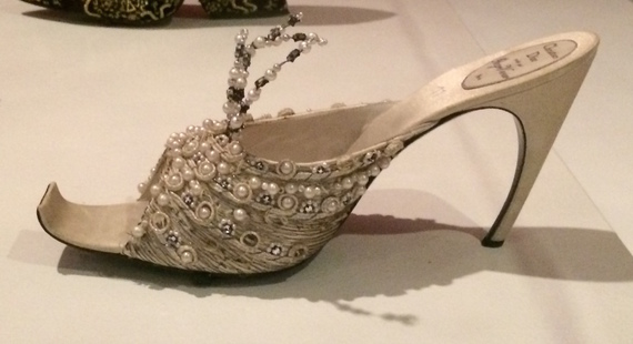 2014-10-20-DiorVivierforHouseofDior1960eveningslipper.JPG