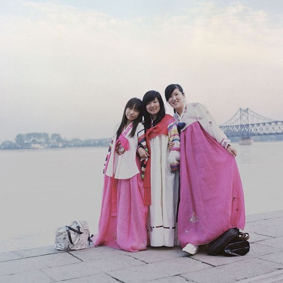 2014-10-20-b000.Hello_.North_.Korea_.Dandong.China_.2010600x600.jpg