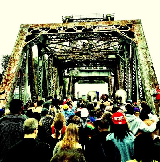 2014-10-20-bridgeprotest.JPG