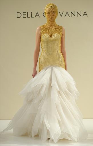 a34cd676f63 10 Outrageous Wedding Dresses From Bridal Fashion Week - crazyforus