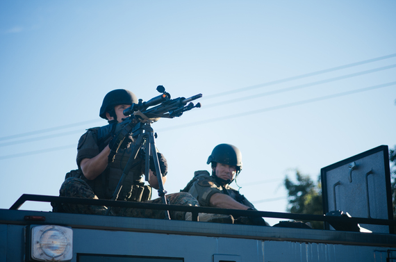 2014-10-21-Police_sharpshooter_at_Ferguson_protests.jpg