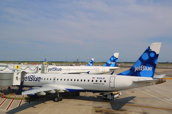 2014-10-26-Jetblueshutterstock_204187951.jpg