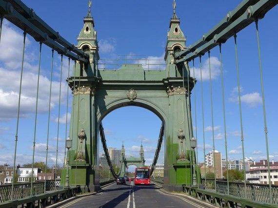 2014-10-28-item0.rendition.slideshowVertical.londonbridges01hammersmithbridge.jpg