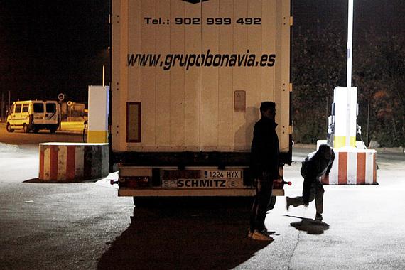 2014-10-29-CalaisImmigration008.jpg