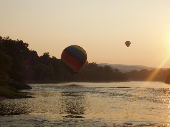 2014-10-29-balloons_over_white_river.jpg