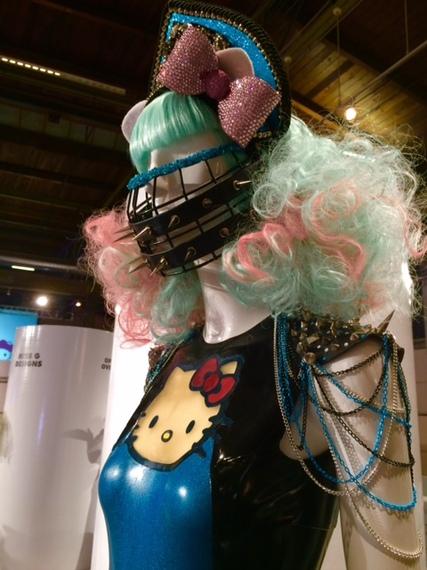 2014-10-30-mask_kitty.jpg