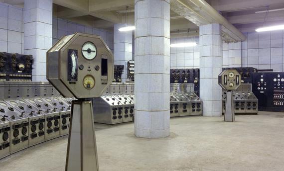 2014-11-04-Battersea_power_station_AUX_switch_control_room_on_B_sidecreditphotographerPeterDazeley.jpg