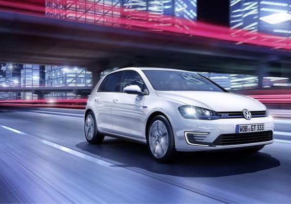 2014-11-04-VolkswagenGolfGTE2014hybride01.jpg