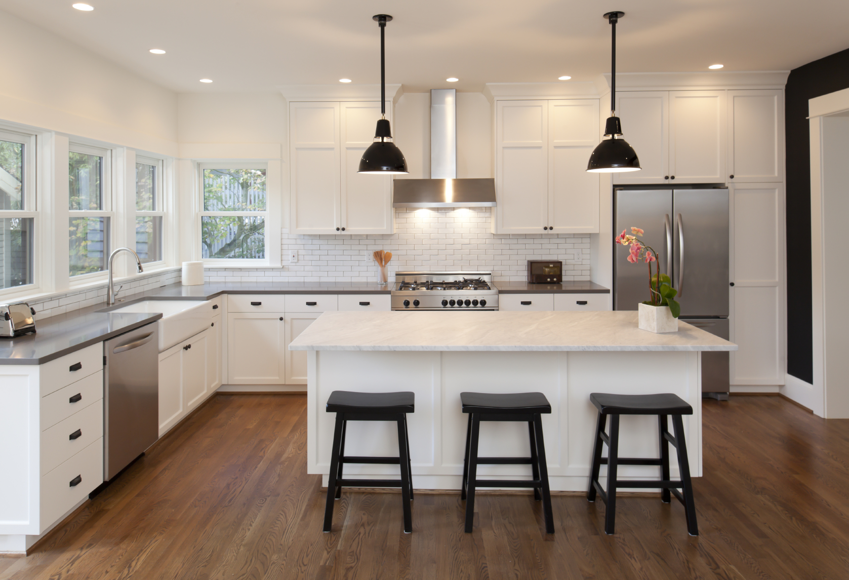The dos and don 39 ts of kitchen remodeling huffpost for Beautiful kitchen remodels