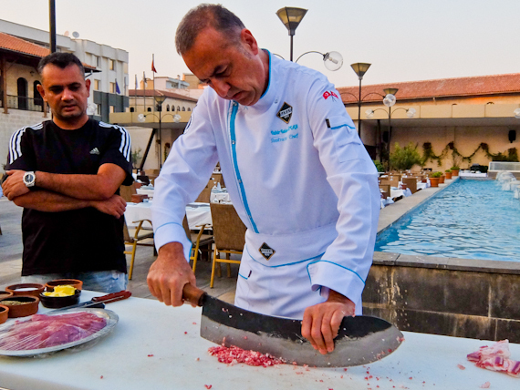 2014-11-05-Chefchoppingmeatforkebab.jpg