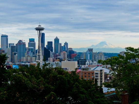 2014-11-06-SeattlewithMountStHelens.jpg