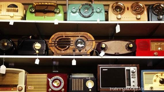 2014-11-07-VintageRadios.jpg