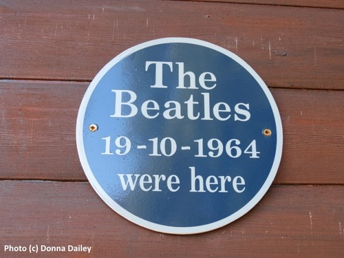 2014-11-09-Four_Seasons_Hotel_Loch_Earn_8_Beatles_Chalet_sign.jpg