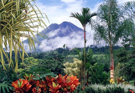2014-11-11-VolcanArenalinCostaRica.jpg