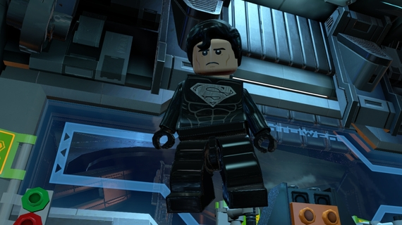 2014-11-13-LEGO_Batman_3_SolarSuitSuperman_05.jpg