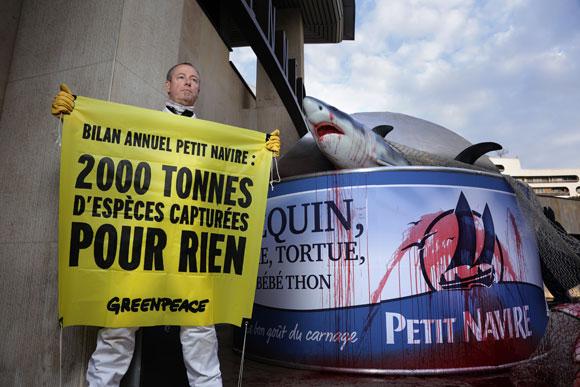 2014-11-13-greenpeace2.jpg