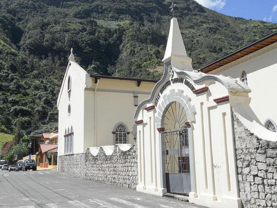 2014-11-14-BanosEcuadorSH.jpg