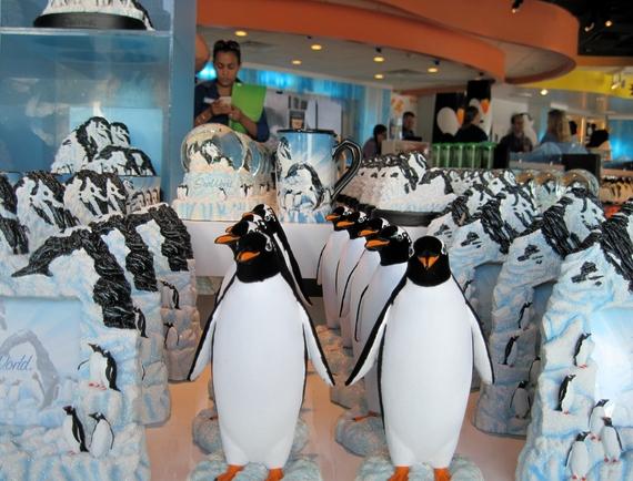 2014-11-17-Penguinstoysinshop.jpg
