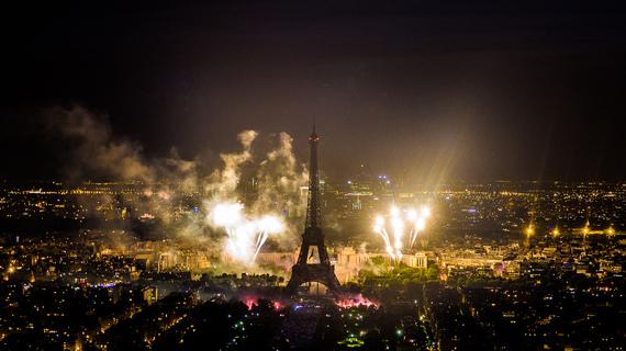 2014-11-18-EiffelTowerWithFireworks.jpg