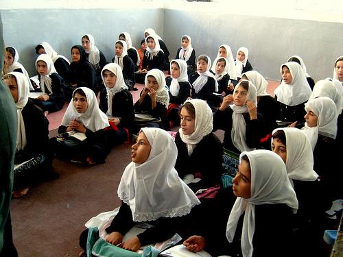 2014-11-20-girlsatschooliran.jpg