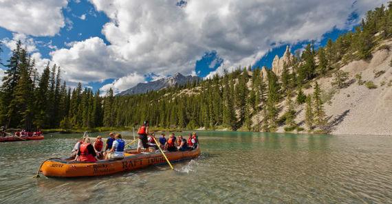 2014-11-21-Rafting_Bow_River_Banff_Paul_Zizka_4_Horizontal.jpg