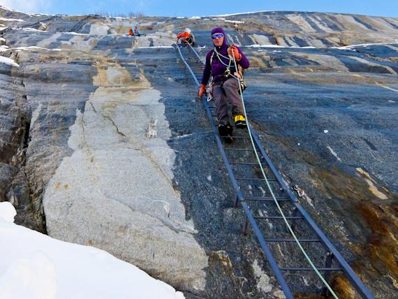 2014-11-25-LaddersandGuide.jpg