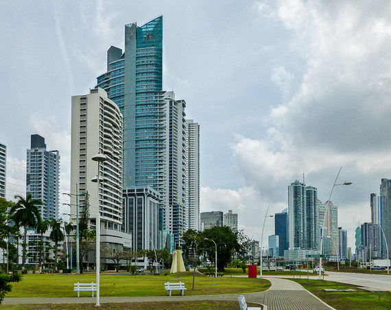 2014-11-25-PanamaCityPanama1IL.jpg