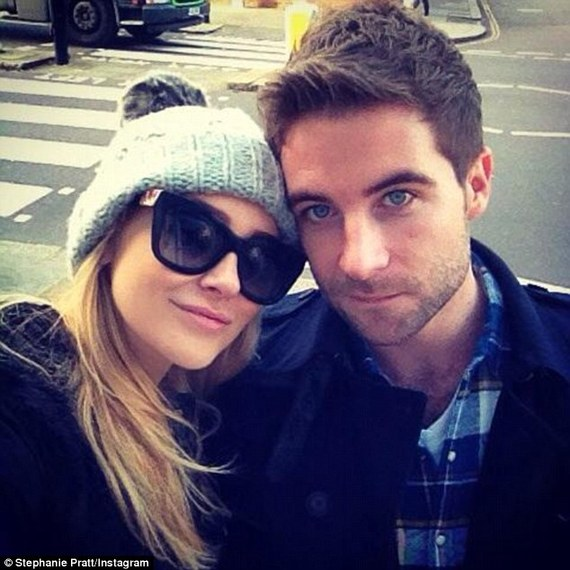 2014-11-27-2354DDBC000005780Date_night_Stephanie_has_been_happy_to_share_snaps_of_the_pair_o89_1416494926068.jpg
