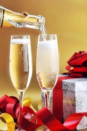 2014-11-30-ChampagneVerresCadeaux123RF8372125.jpg