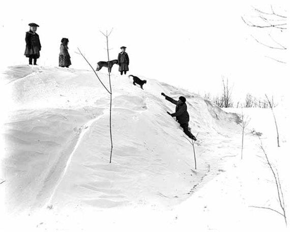 2014-12-02-snowbank.jpg