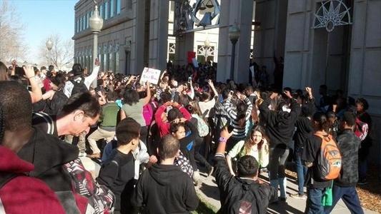 2014-12-06-AuroraColoradoprotestsDec.52014.jpg