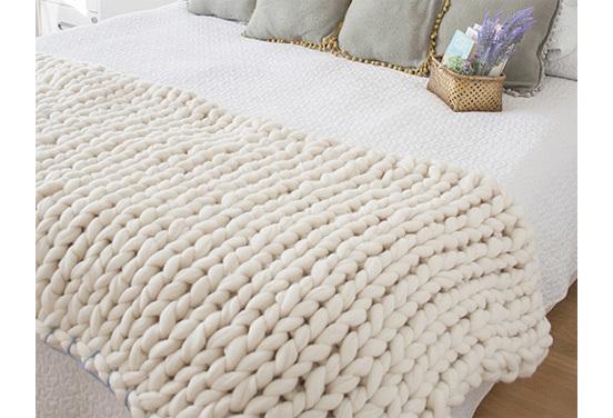 2014-12-07-Chunky_Knit_Blanket_5521.jpg
