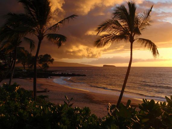 2014-12-10-MauiSunset_cTavisJacobsFlickrCreativeCommons.jpg