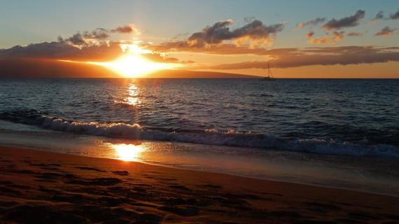2014-12-10-SunsetMaui_cEdmundGarman_FlickrCreativeCommons.jpg