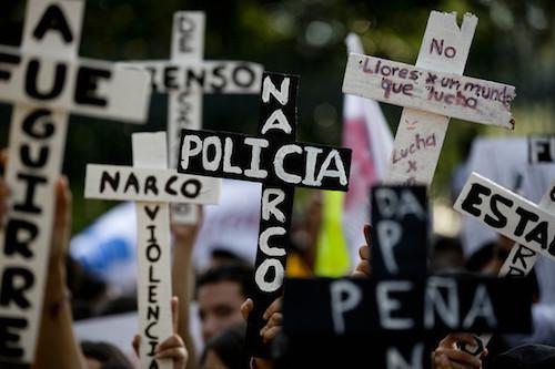 2014-12-11-AyotzinapaProtests.jpg