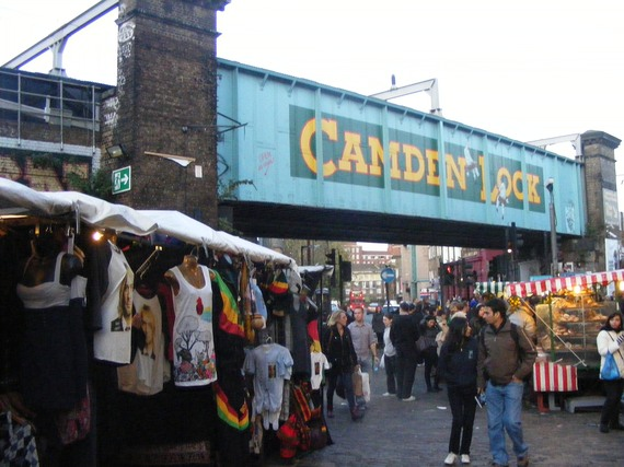2014-12-11-Camden_markets_entrance.JPG