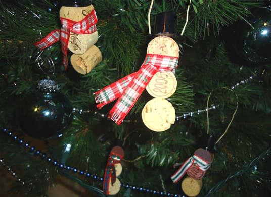 2014-12-12-Ornament_WineCork.jpg