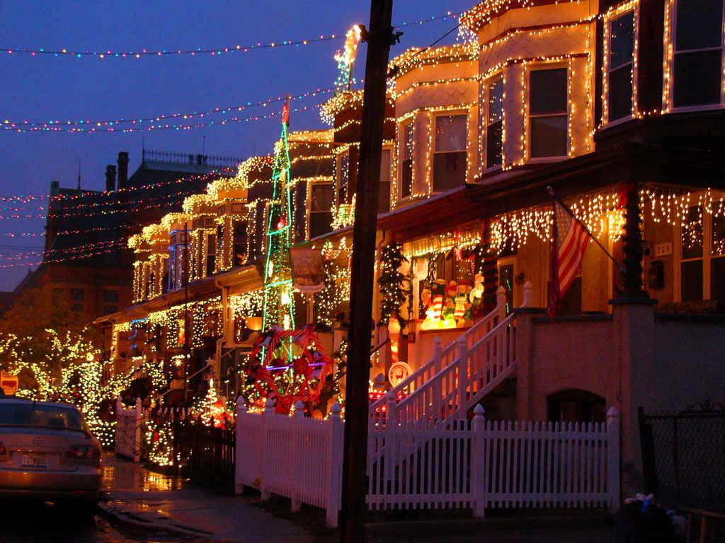 America's Best Streets for Christmas Lights | HuffPost