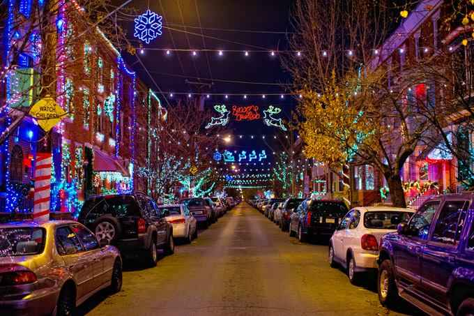 cheap for discount a7010 fbe1c America's Best Streets for Christmas Lights | HuffPost Life