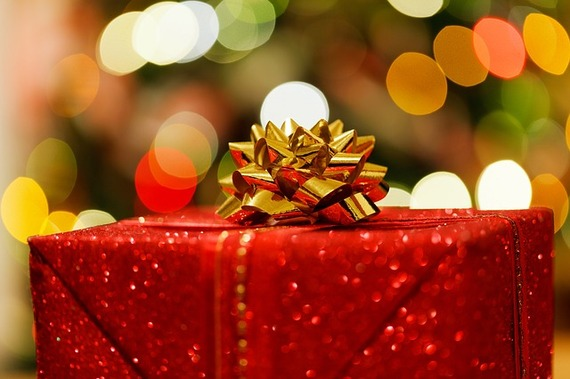 2014-12-12-christmaspresent83119_640.jpg